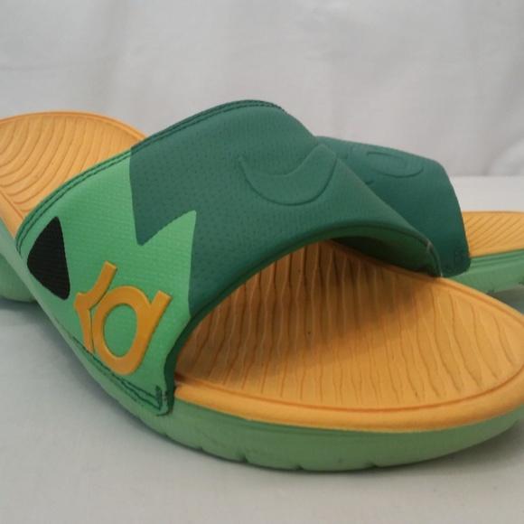 603f6aaef3d8e Nike KD Slides. M 5c57e9a9f63eea35265a9aa7
